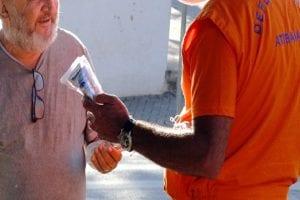 Prefeitura inicia distribuição de 50 mil kits com máscara e álcool gel em Atibaia