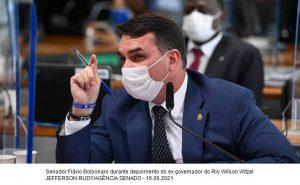 Flávio diz que presidente 'não quer dar visibilidade' a Luis Miranda