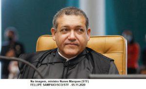 Ministro pede vista sobre decretos que facilitam acesso a armas