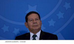 Auxílio Brasil: Mourão diz que governo não pode ser 'escravo do mercado'
