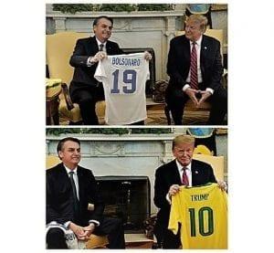 Trump e Bolsonaro trocam camisetas de seleções de futebol