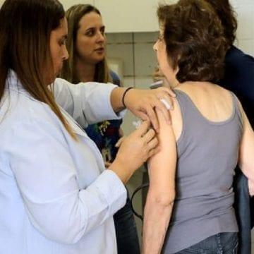 Enfermeiros do Exército vão participar de vacinação no Rio